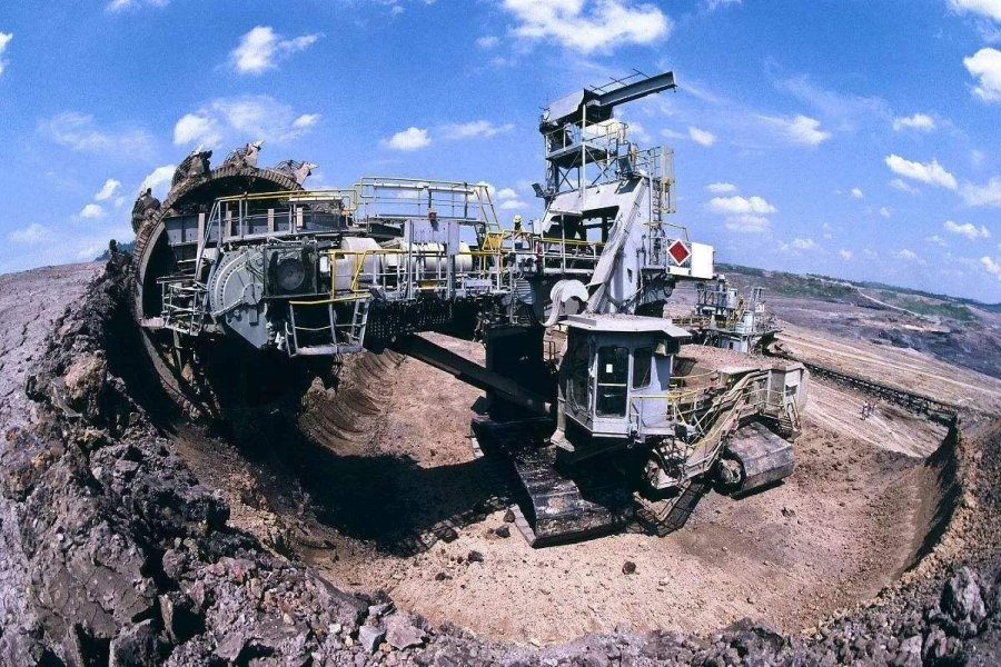 矿藏开采企业电能质量问题解决方案